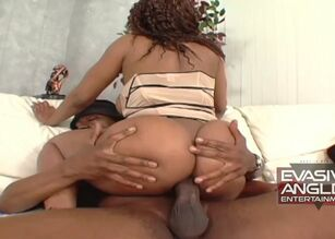 Big booty ebony gets fucked